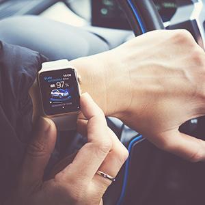Smartwatch im Auto